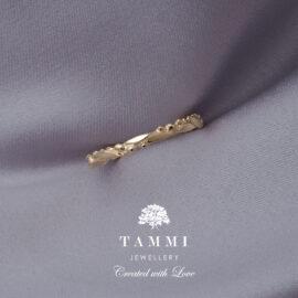 Seppele-Flower-Crown-sormus-ring-golden-ring-kultainen-sormus-vihkisormus-kihlasormus-Tammi-Jewellery-G10118
