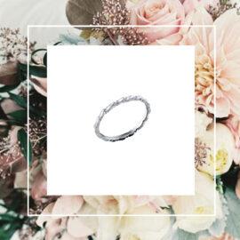 WG10138-Valkokultainen-Seppele-sormus-Xs-symmetrinen-Tammi-Jewellery-kihlasormus-vihkisormus-kivetön-suomessa-käsityönä-valmistettu-Tammen-Koru-design-shop-Finland