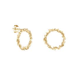 G8271-kultaiset-korvakorut-seppele-Tammi-Jewellery-tammen-koru