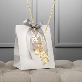 Metsän-Aarteet-kultainen-tammenterho-tammenlehti-kaulakoru-tammi-jewellery-design-koru-
